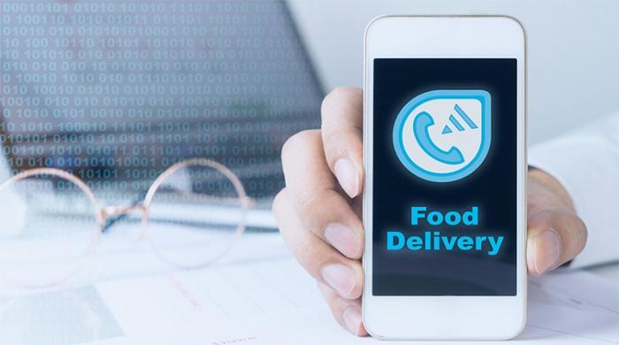 Cellulare con scritta Food delivery per consegna